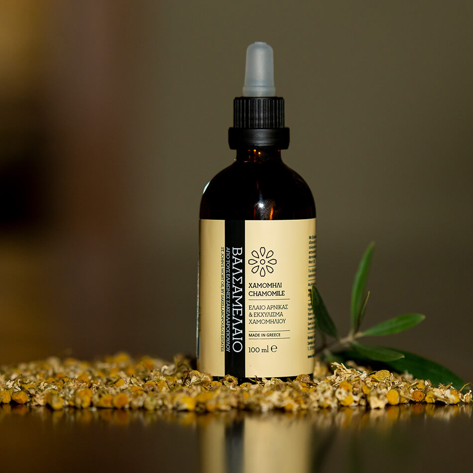 St. John's Wort Oil with Arnica Oil and Chamomile Extract body oil massage